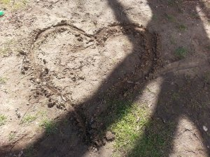 sewer mud heart
